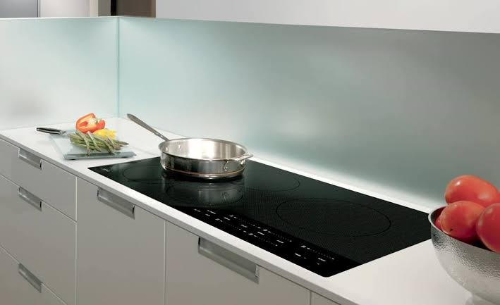 Pros and cons of an Induction Cooktop