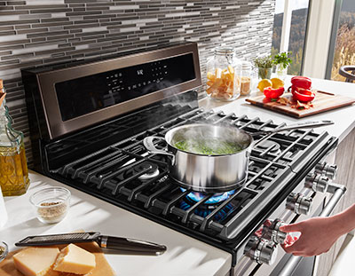 Cooking range in UAE for cooking multiple dishes at a time