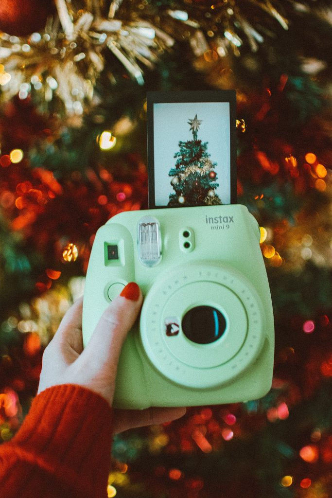 How to choose the best instant polaroid camera